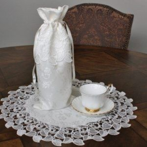 NEW Wine Gift Bag All-occasion, PEARL LACE LEAVES